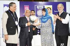 Jet Airways Chairman Naresh Goyal receiving The Iconic Indian Award from J&K Chief Minister Mehbooba Mufti at New Delhi.