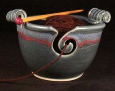 Bol de fil avec poignées - tricot en céramique grand bol - bleu et rouge