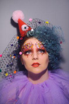 Beautiful vintage clown by Steven Cheshire Clown Makeup, Costume Makeup, Halloween Makeup, Halloween Costumes, Circus Art, Circus Theme, Pierrot Clown, Le Clown, Vintage Clown