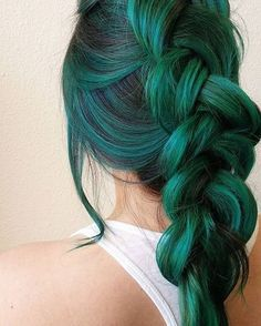30 Teal Hair Dye Shades and Looks - Hair - Hair Styles Teal Hair Dye, Hair Dye Shades, Dye My Hair, New Hair, Green Hair Ombre, Emerald Green Hair, Ombre Hair, Purple And Green Hair, Pastel Hair