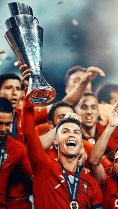 Cristiano Ronaldo świętuje zwycięstwo w Lidze Narodów Portugalia Cristiano Ronaldo Portugal, Foto Cristiano Ronaldo, Cristiano Jr, Cristiano Ronaldo Wallpapers, Ronaldo Football, Cr7 Jr, Touko Pokemon, Cr7 Junior, Ronaldo Photos