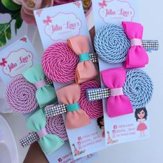 Pin on Inspirations to diy Making Hair Bows, Diy Hair Bows, Diy Bow, Diy Ribbon, Ribbon Bows, Craft Fair Displays, Fabric Jewelry, Hair Jewelry, Baby Bows