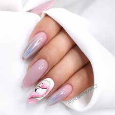There are a variety of unique nail art designs. Flamingo nail design seems to be the best trend in the current season. Flamingos on white or pink backgrounds are great nail art designs. Of course, Flamingo Nail design is not limited to this, nail art Glam Nails, Pink Nails, Beauty Nails, Cute Nails, My Nails, Long Acrylic Nails, Acrylic Nail Art, Nagel Stamping, Almond Shape Nails