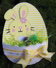 Cute Easter Egg Pocket Card...add some jelly beans and grass.