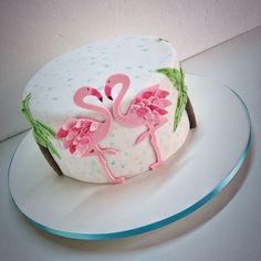 Flamingo Cake by Renata Junqueira