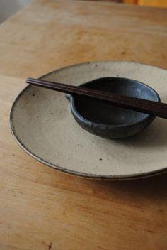 Six dimensions dish. Kohiki / Noguchi Jun