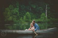 Canoe engagement pictures.