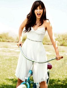 I love her style! - Zooey Deschanel # new girl New Girl, Zooey Deschanel Style, Emily Deschanel, Girl Crushes, Pretty People, Beautiful People, Beautiful Person, Black M, Bicycle Girl