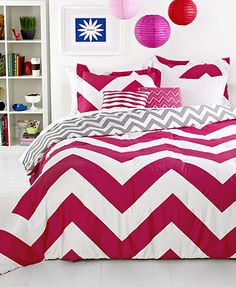 Chevron Pink 5 Piece Full/Queen Comforter Set.i zoomed it n found a  red book about indonesia on the shelf :D