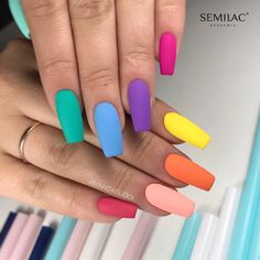 In recent years, the trend of matte nail art design has not changed at all. Matte nail art design is very common in coffin shape nails. The matte effect of various colors can be used on coffin nails, and can be matched with gradients, artificial dia Coffin Nails Matte, Coffin Shape Nails, Gradient Nails, Rainbow Nails, Gel Nails, Rainbow Colors, Rainbow Pastel, Matte Nail Polish, Summer Acrylic Nails