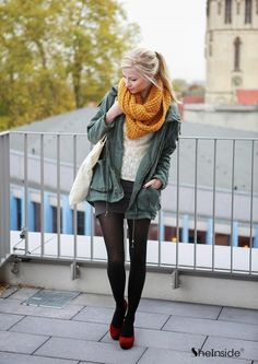 To find out about the Army Green Hooded Long Sleeve Pockets Coat at SHEIN, part of our latest Outerwear ready to shop online today! Moda Zendaya, Silvester Outfit, Olive Shirt, Zendaya Style, Hipster Looks, Winter Stil, Black Tights, Military Fashion, Ladies Dress Design