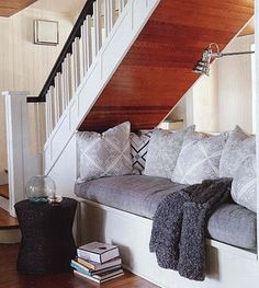 This lady's website has so many cute nooks...i wish i could build one in my tiny apartment!