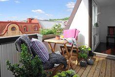 Balcony flowers, balcony furniture, urban gardens
