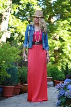 http://meagansmoda.com/wp-content/uploads/2014/07/cropped-denim-jacket-straw-fedora-colorblock-dress-bright-pink-and-orange-maxi-dress-long-seed-beed-necklace-682x1024.jpg