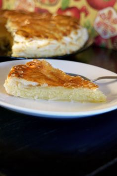 """Recipe for the French King cake or """"Galette des Rois"""". Food Pictures, Pug, Foodies, French, Traditional, Cake, Desserts, Recipes, Ideas"""