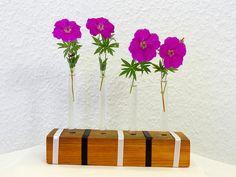 Mini Vase Holzvase mit 4 Gläsern. Blumenvase Eiche von SchlueterKunstundDesign - Wohnzubehör, Unikate, Treibholzobjekte, Modeschmuck aus Treibholz auf DaWanda.com