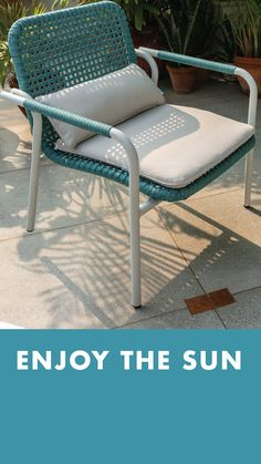 This summer, create a sweet little haven for your outdoor spaces with IDUS! This beautiful blue sofa set will brighten up the space and inspire you to spend more time outdoors. Outdoor Garden Furniture, Outdoor Sofa, Outdoor Spaces, Outdoor Living, Sofa Furniture, Online Furniture, Furniture Design, Blue Sofa Set, Enjoying The Sun