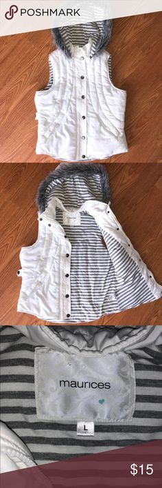 Warm Puffy White Vest White vest with detachable hood. Thick and warm. Zips and buttons. Like new condition. Maurices Jackets & Coats Vests