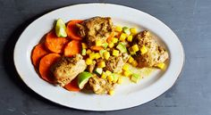 Mixed with sweet mango, creamy avocado, and spicy jalapeno, this chicken recipe has serious Caribbean flair. Slow Cooker Recipes, Cooking Recipes, Vegan Recipes, Crockpot Meals, Yummy Recipes, Free Recipes, Healthy Peach Cobbler, Caribbean Chicken, Chicken