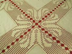 Amigas, depois de algum tempo sem dar noticias deixo-vos uma toalhinha em croché feita com quadrados de pano bordado. Linha beije nº12. ... Crochet Fabric, Crochet Tablecloth, Crochet Doilies, Crochet Flowers, Crochet Lace, Crochet Squares, Crochet Granny, Diy Crafts Crochet, Diy And Crafts