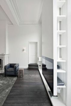 Minimal and white by Studio Niels - via cocolapinedesign.com