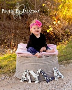 Using letters as photography prop! Toddler Girl Photography, Sibling Photography, Children Photography, Background For Photography, Photography Backdrops, Photography Ideas, Toddler Photo Props, Toddler Photos, Girly Girls