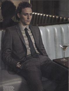 Tom Hiddleston - Evening Standard photoshoot 2010. (Via Torrilla)
