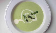 How to cook the perfect asparagus soup — the guardian (UK) Asparagus Soup, Asparagus Recipe, Healthy Sweet Snacks, Healthy Soup, Gourmet Recipes, Soup Recipes, Healthy Recipes, Eating Fast