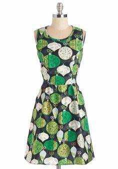 Retrolicious Black Green Gold Holiday Christmas Ornament Retro Dress Plus 2X #Retrolicious