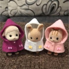 Calico Critters Families, Critters 3, Baby Animals, Cute Animals, Sylvanian Families, All Things Cute, Cute Toys, Plushies, Doll Clothes