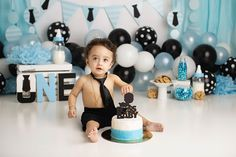 Boss Birthday, Baby Boy 1st Birthday Party, First Birthday Party Themes, Baby Birthday Cakes, Birthday Ideas, Half Birthday, Baby Cake Smash, Boy Birthday Pictures, Boss Baby