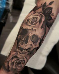 A few leaves added to this fully healed piece yesterday! Cheers David mate! #realistictattoo #realism #tattooart #tattoo #glencarloss #rose #art #skull #skulltattoo