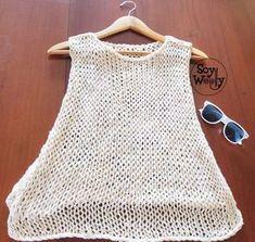 En este tutorial aprenderás a tejer un top o blusa para el verano, muy fresco y fácil de hacer, especial para principiantes de las dos agujas. Puedes llevarlo sobre el bikini o sobre una camiseta ligera #toptejido #topdeverano #topdosagujas #tricot #punto #patronesenespañol #tejidoamano #tutorialtejer #soywoolly T-shirt Au Crochet, Bikini Crochet, Crochet Shirt, Summer Knitting, Easy Knitting, Knit Patterns, Clothing Patterns, Pull Court, Crochet Clothes