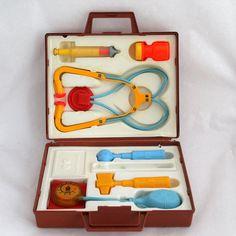 Fisher Price arts of verpleegkundige Kit Vintage door AHiddenNest
