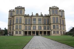 Hardwick Hall, Derbyshire, England by Gary S. Interior Design History, Interior Design Classes, English Architecture, Chatsworth House, England And Scotland, Holiday Pictures, Life Pictures, Derbyshire, Awesome Bedrooms