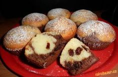 Čokoládovo-kokosové muffiny Czech Recipes, Desert Recipes, Scones, Amazing Cakes, Foodies, Cheesecake, Deserts, Food And Drink, Cupcakes