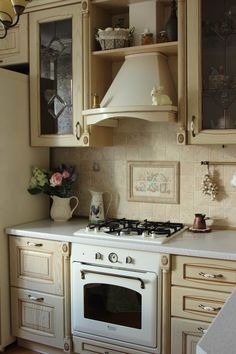 Дизайн кухни 9,5 кв.м с ретро-элементами