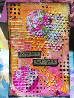 Me encanta hacer Atc decorarlas y mandarlas a todo el mundo. Son pequeñas piezas de arte en las que puedo dar rienda suelta a todas las técnicas Mixmedia que quiera. Tintas, pastas de modelar, relieves, collage...cualquier técnica tiene cabida en estas pequeñas!!! Más en https://www.facebook.com/cuadritos.decolores.7