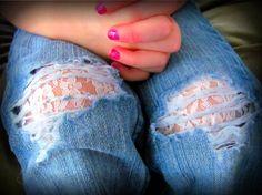 DIY Tutorial: DIY Ripped Jeans  / DIY Ripped Jean Fashion Fix - Bead&Cord