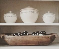 Deze kommen kocht ik jaren geleden bij @rivieramaison. Af en toe worden ze ook gebruikt. Ook met de afgelopen kerstdagen. Vandaag weer naar mijn werk. De laatste dagen van het oude jaar. Fijne dag! #rm #rivieramaison #bowl #soep #kitchentrend #trog #brocante #kitchen #keuken #home #old