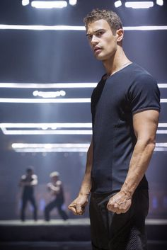 The first look of Theo James as Four in Divergent! I cannot wait!!! If you havent read these books you need to ASAP