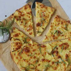 Kartoffelpizza med rosmarin og mozzarella - Maria Vestergaard