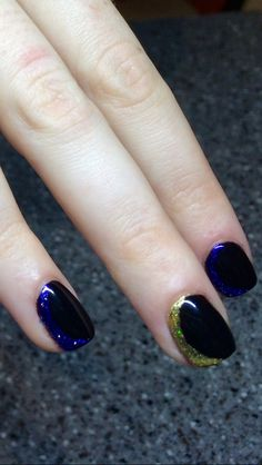Pigment added to clear polish to make this crescent moon design on top of black pool CND Shellac