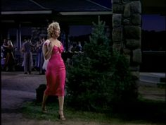 The Style Essentials--Marilyn Monroe is in the Pink for 1953's NIAGARA | GlamAmor