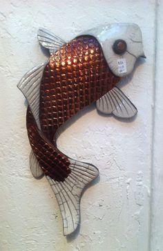 Betty Amendola's raku fish - inspiration for polymer clay fish Pottery Animals, Ceramic Animals, Clay Animals, Raku Pottery, Pottery Sculpture, Pottery Art, Pottery Ideas, Thrown Pottery, Ceramic Wall Art