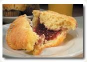 Almond & Raspberry Muffins - yum! #Stonyfield