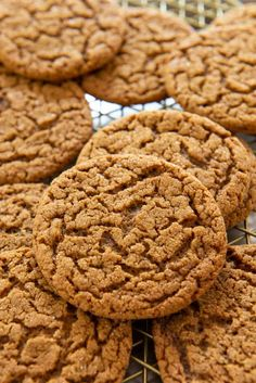 Molasses Cookies – Old Fashioned Flavor and the perfect Soft Chewy Bite! Molasses Cookies – Old Fashioned Flavor and the perfect Soft Chewy Bite! via Fifteen Spatulas Cookie Brownie Bars, Cookie Desserts, Cookie Recipes, Dessert Recipes, Holiday Baking, Christmas Baking, Christmas Cookies, Christmas Sweets, Fall Baking