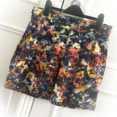 SOIshowoff May: New shorts!! I quickly made these yesterday using my Sew Over It Ultimate Trousers pattern adding a waistband