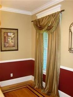 Two Colored Wall For Dining Room