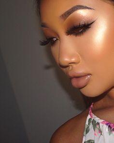Highlight is Poppin thanks to @anastasiabeverlyhills Summer highlighter from the Sundipped glow kit. Eyes brows are Medium brown Dipbrow Pomade Eyes: @motivescosmetics LBD gel Liner @nyxukcosmetics @nyxcosmetics Walnut, Black Eyeshadow @tartecosmetics Silk black pencil liner Lashes: @hudabeauty @shophudabeauty @monakattan @alyakattan Scarlet Lashes. Lips: @limecrimemakeup Buffy liquid lipstick @sleekmakeup Angel Falls gloss me lipgloss Skin: @makeupforeverofficial Ultra HD foundation...